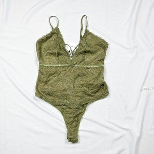 🖤2/30$ -- Revamped Green low-cut Bodysuits Lace Camisole